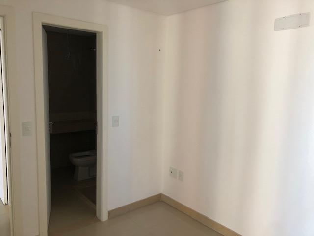 Apartamento com 3 Quartos no Meireles