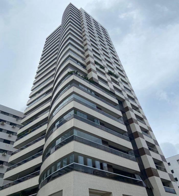 Apartamento com 4 Suítes no Meireles